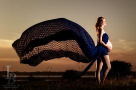 foograf med kjoler til gravidfotografering
